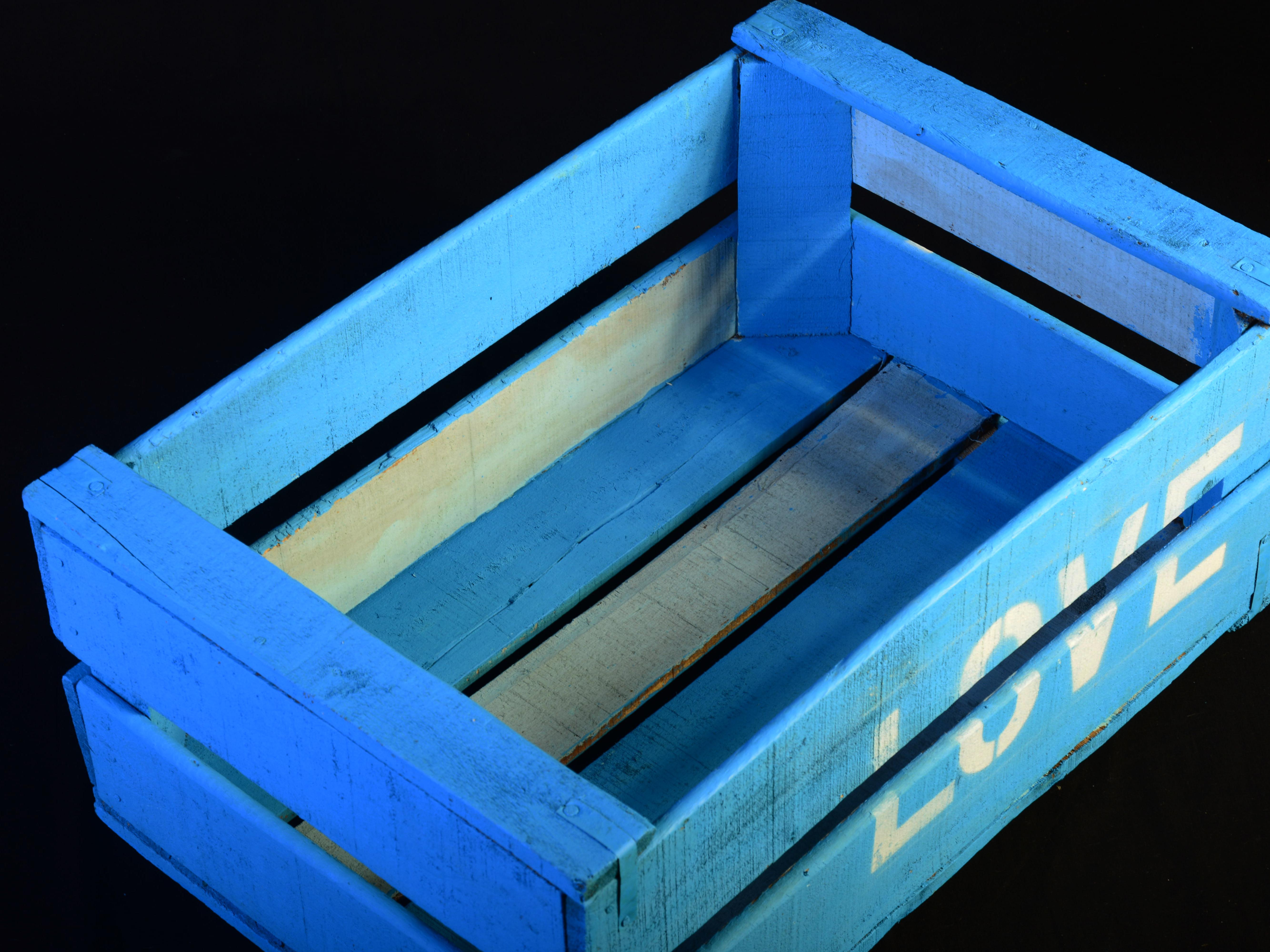 Pablo antig edades caja de fruta de madera pintada love pablo antig edades - Cajas de madera para frutas ...